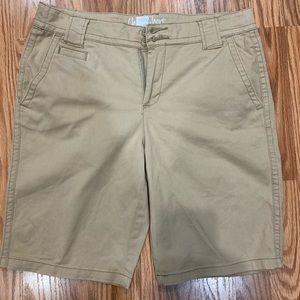 ST. John's Bay women's chino khaki shorts size 6